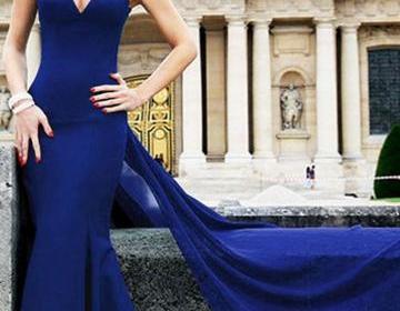 Синие платья: модные тенденции-2017