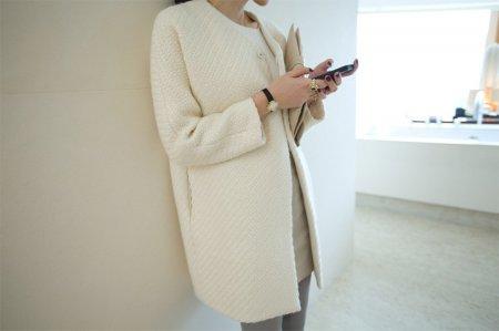 Модные белые пальто