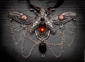 Почему не следует носить магические украшения?