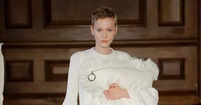 Сумки в виде подушки – новый модный тренд