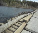 В Вожегодском районе школьникам приходится жить неделю в интернате из-за непроезжего моста