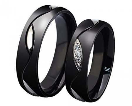 Модные черные кольца