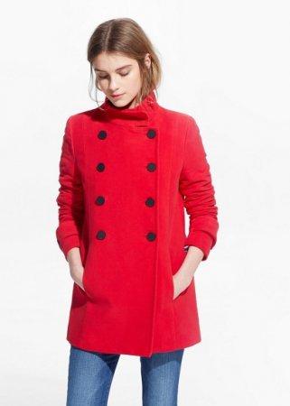 Модные красные пальто для ярких девушек