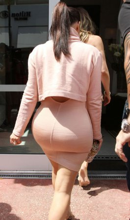 Ким Кардашьян: эволюция «пятой точки»