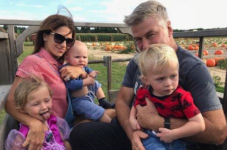 Алек Болдуин в пятый раз станет отцом