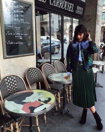 С чем можно носить юбку зимой?