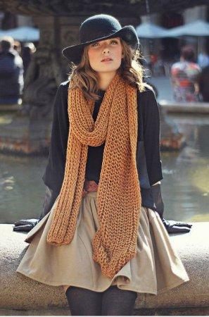 Как красиво повязать палантин на пальто?
