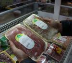 Две корзины просроченных продуктов изъяли в мини-маркете на улице Кубинской в Вологде