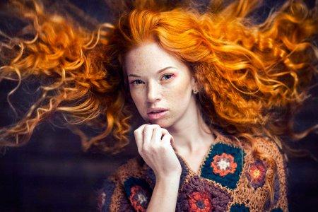 Как восстановить поврежденные после лета волосы?