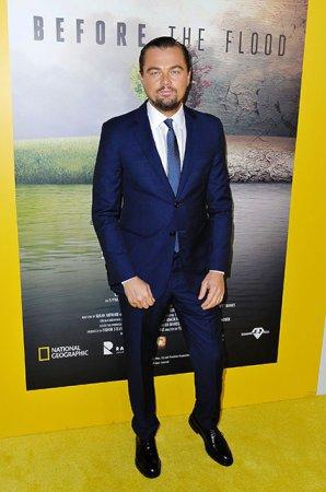 Леонардо ДиКаприо встречается с двадцатилетней моделью