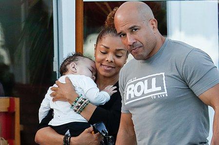 Джанет Джексон с сыном и неизвестным мужчиной отдыхает в Майами