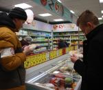 Просроченные блинчики и ветчину изъяли в супермаркете на площади Чайковского в Вологде