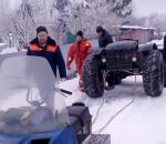 В Череповецком районе двое рыбаков провалились под лед на болотоходе